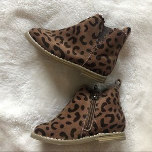 Leopard scalloped toddler boot
